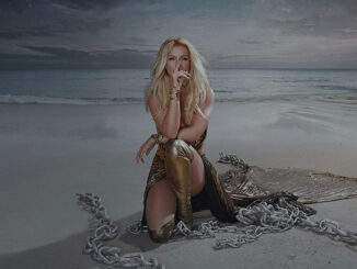 Britney Spears – Swimming In The Stars Mp3