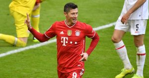 Lewandowski 'interested' in Chelsea move after agent talks