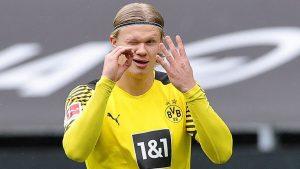 Borussia Dortmund make Erling Haaland decision amid 'monster' Chelsea transfer bid